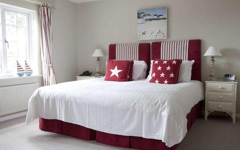 talland bay hotel, cornwall bedroom