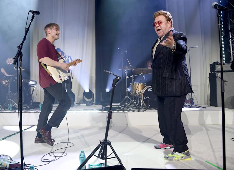 Sam Fender and Elton John perform at the 28th Annual Elton John AIDS Foundation Academy Awards Viewing Party. (Photo: Michael Kovac/Getty Images for EJAF)