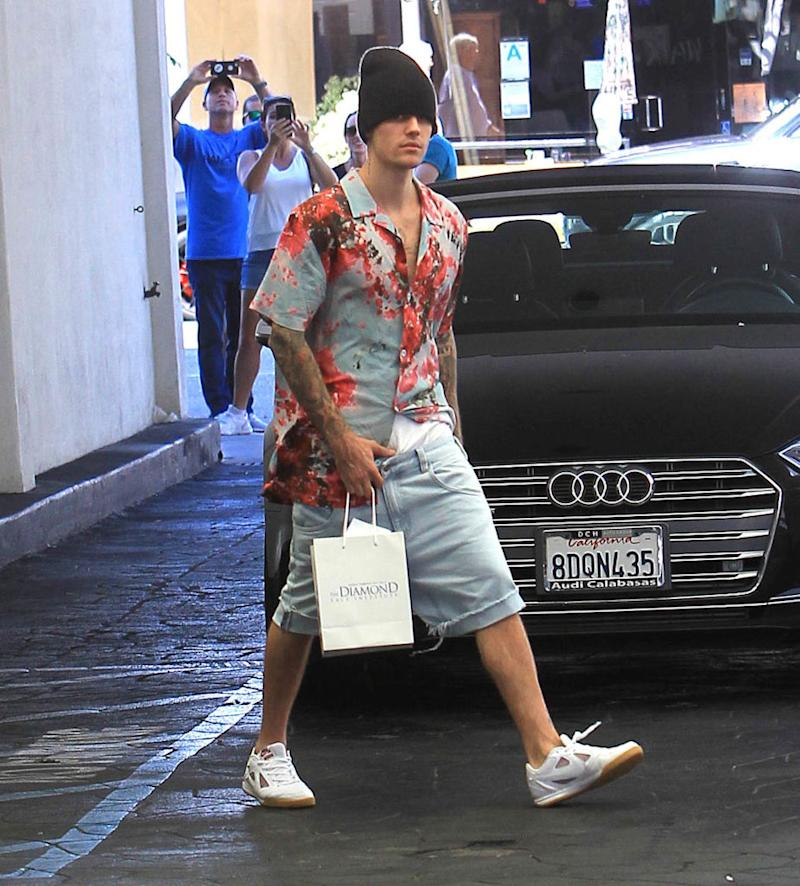 Justin Bieber shops on Aug. 29 in Los Angeles. (Photo: Hollywood To You/Star Max/GC Images)