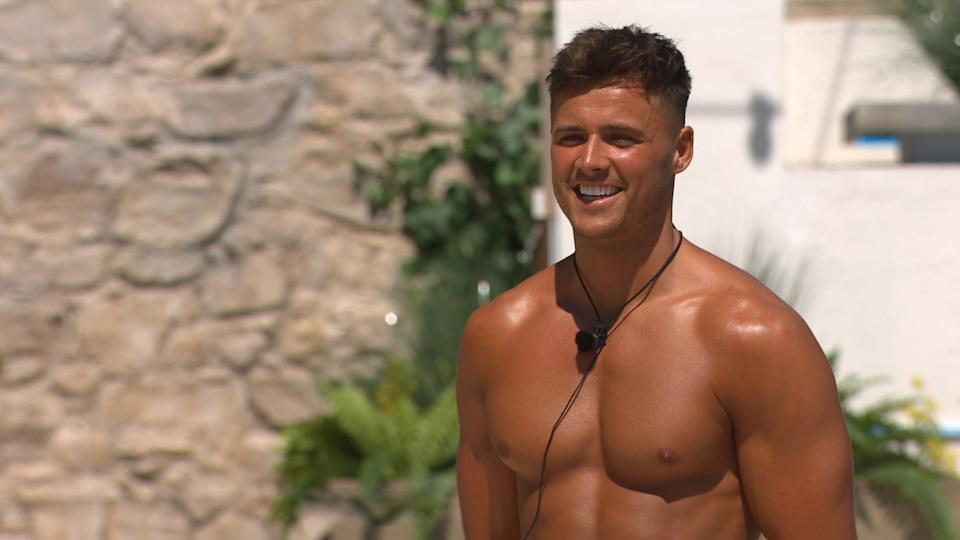 Brad McClelland was able to connect with his long-lost sister after leaving Love Island. (ITV)