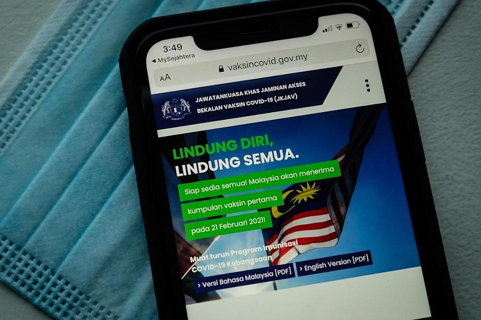 Thousands of users in Kuala Lumpur, Selangor, Penang, Johor and Sarawak faced difficulties in accessing several features on its website during the opt-in registration process. —Picture by Yusof Mat Isa