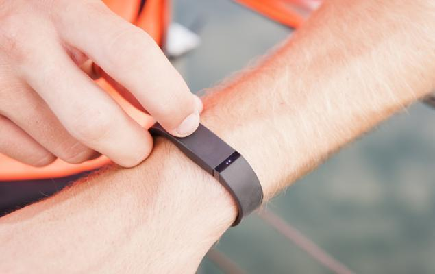 Fitbit (FIT) Q3 Loss In Line With Estimates, Revenues Beat