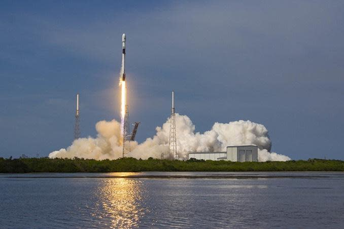 A SpaceX Falcon 9 rocket boosts a Global Positioning System satellite into orbit for the U.S. Air Force. / Credit: SpaceX