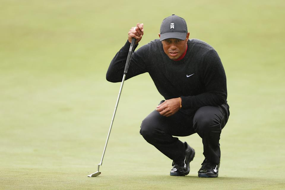 THOUSAND OAKS, CALIFORNIA - OCTOBER 25: Tiger Woods of the United States lines up a putt on the tenth green during the final round of the Zozo Championship @ Sherwood on October 25, 2020 in Thousand Oaks, California. (Photo by Ezra Shaw/Getty Images)