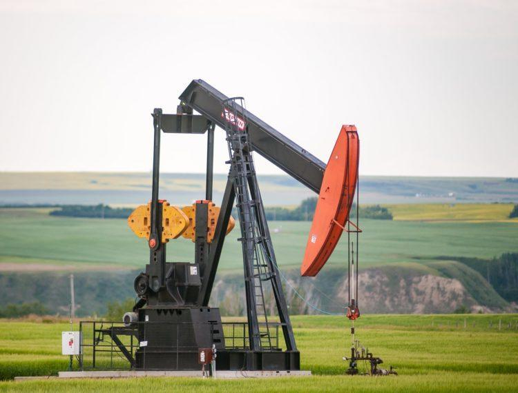Best Oil Stocks that pay dividends
