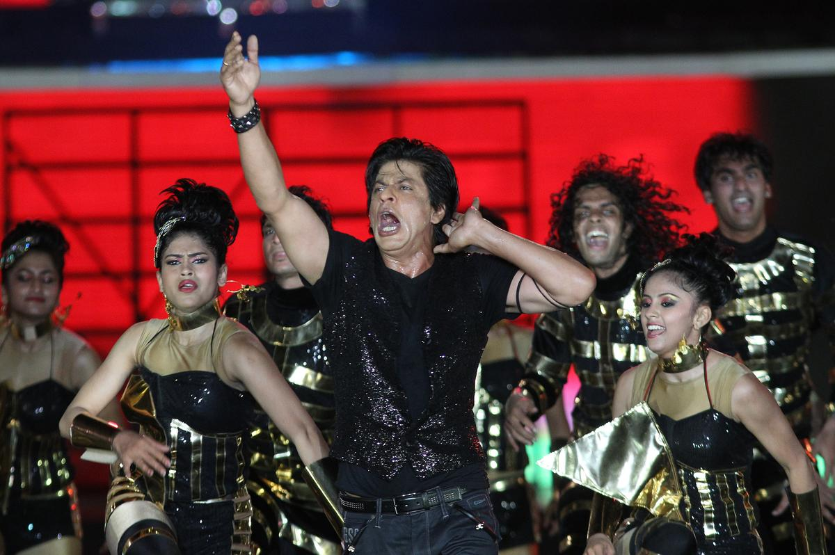 Shah Rukh Khan performs during the Pepsi Indian Premier League opening ceremony held at the Salt Lake Stadium in Kolkata on the 2nd April 2013..Photo by Ron GauntSPORTZPICS ..Use of this image is subject to the terms and conditions as outlined by the BCCI. These terms can be found by following this link:..https://ec.yimg.com/ec?url=http%3a%2f%2fwww.sportzpics.co.za%2fimage%2fI0000SoRagM2cIEc&t=1506341047&sig=qMh2VKNrkxZEJk6zNPYOig--~D