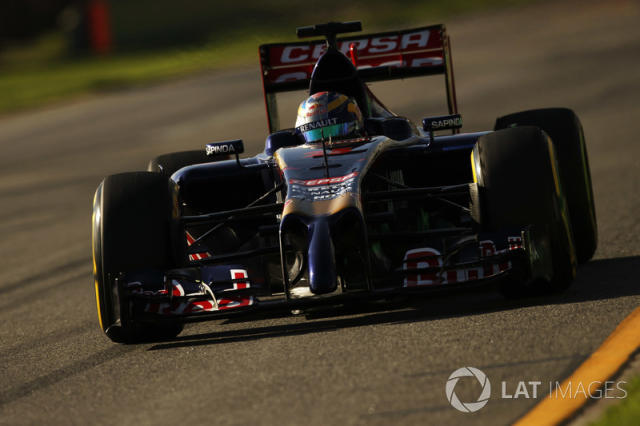 """Toro Rosso STR9 <span class=""""copyright"""">Charles Coates / Motorsport Images</span>"""