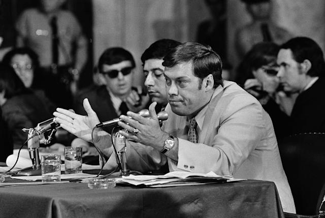 <p>Former FBI agent Alfred Baldwin delivers testimony May 25, 1973, on Capitol Hill to members of the Watergate committee. (Photo: AP) </p>