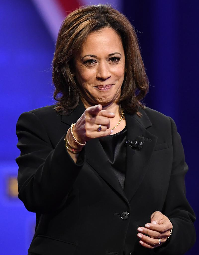 Democratic presidential hopeful California Senator Kamala Harris set Twitter ablaze with a response to Donald Trump Jr.'s tweet on Friday evening. (Photo: ROBYN BECK/AFP via Getty Images)