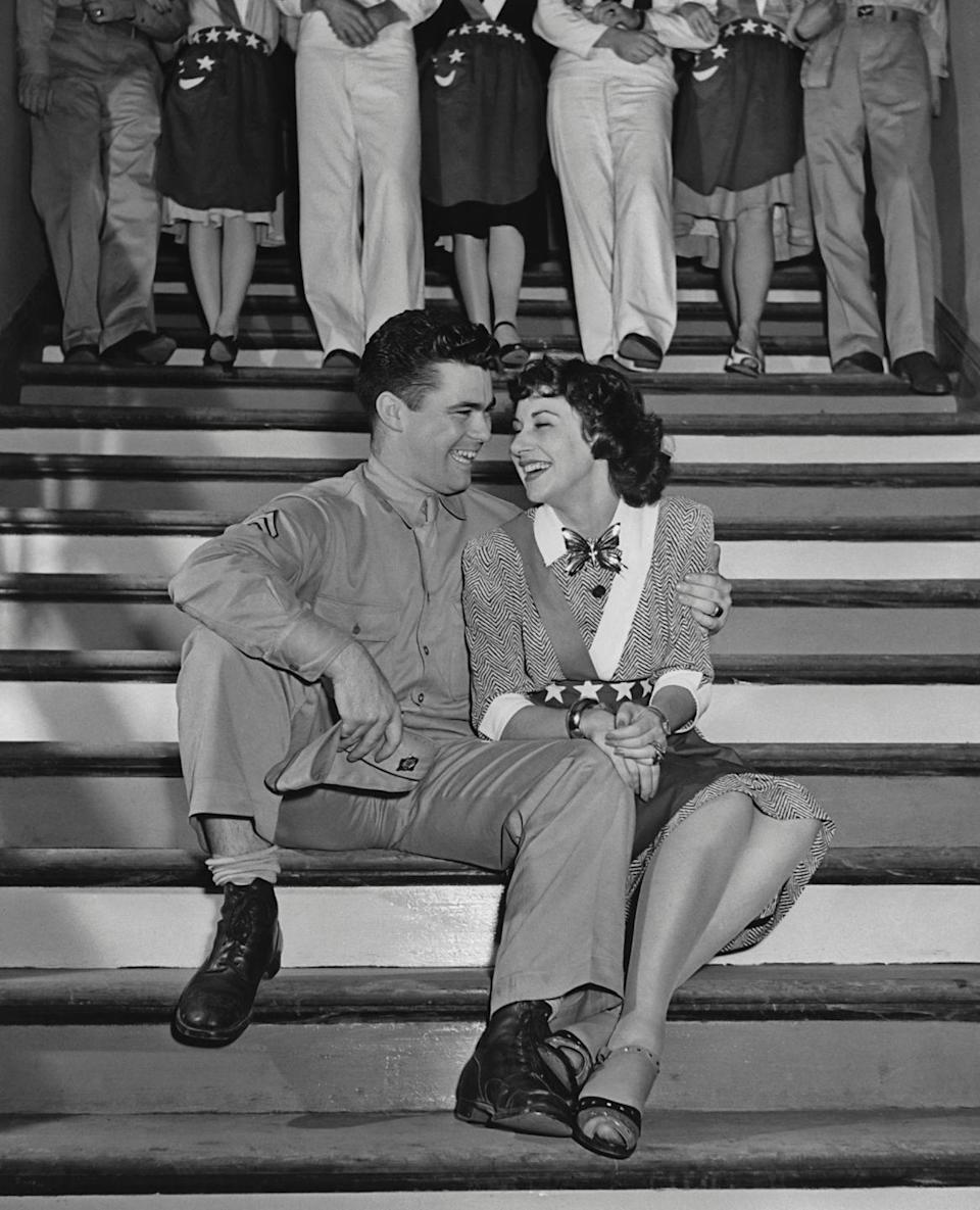 <p>The USA creates fireworks in the fashion world in 1942, inspiring bursts of patriotic touches.</p>