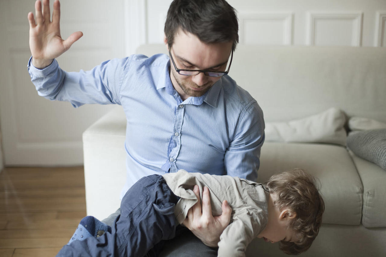 holding the child spanking The case against spanking phd, a psychology professor and principal investigator for the child violence and trauma laboratory at the university of michigan.