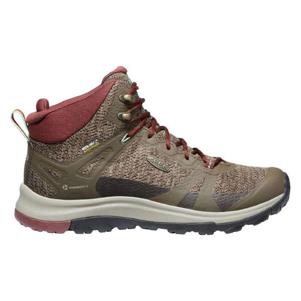 """<p><strong>KEEN</strong></p><p>rei.com</p><p><strong>$149.95</strong></p><p><a href=""""https://go.redirectingat.com?id=74968X1596630&url=https%3A%2F%2Fwww.rei.com%2Fproduct%2F163064&sref=https%3A%2F%2Fwww.thepioneerwoman.com%2Ffashion-style%2Fg32317616%2Fbest-hiking-boots-for-women%2F"""" rel=""""nofollow noopener"""" target=""""_blank"""" data-ylk=""""slk:Shop Now"""" class=""""link rapid-noclick-resp"""">Shop Now</a></p><p>Fans of the Terradora II praise the lightweight, breathable, and waterproof design that sets this boot apart from other bulkier styles and makes it ideal for warm-weather hiking. </p>"""