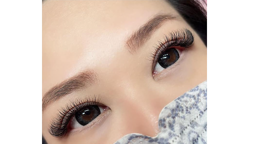 Best Eyelash Extensions in Singapore That are Long-Lasting and Comfortable