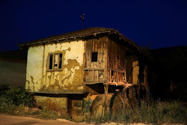 <p>An abandoned house stands in the village of Gornja Kamenoca, near the southeastern town of Knjazevac, Serbia, Aug. 15, 2017. (Photo: Marko Djurica/Reuters) </p>