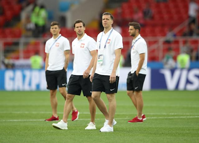 Soccer Football - World Cup - Group H - Poland vs Senegal - Spartak Stadium, Moscow, Russia - June 19, 2018 Poland's Wojciech Szczesny and Grzegorz Krychowiak on the pitch before the match REUTERS/Carl Recine