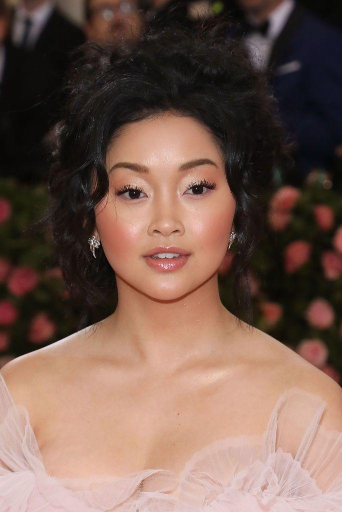 <p>If you want to go for a delicate wedding makeup look, take some inspiration from Lana Condor. Her light pink, slightly glossy lip color and super rosy cheeks give off a sweet appearance. </p>