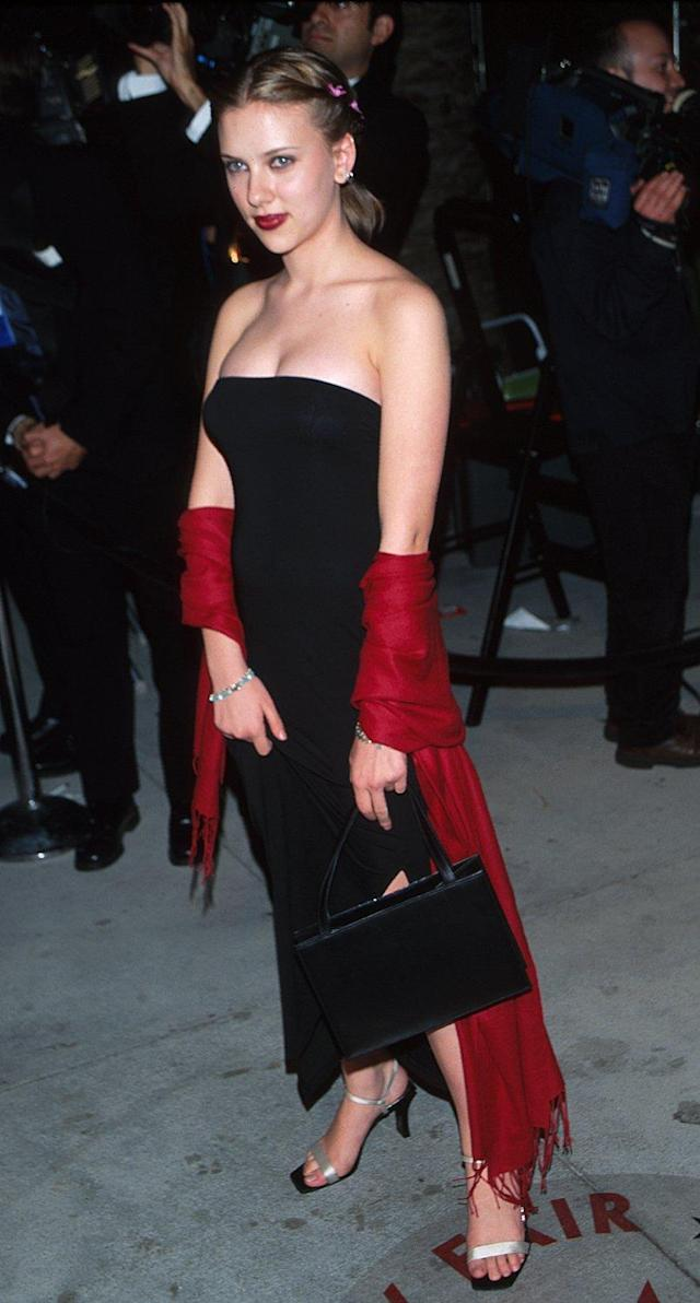 Scarlett Johansson at the Vanity Fair Oscar party in 2000. (Photo: Rob Beccaris/WireImage)