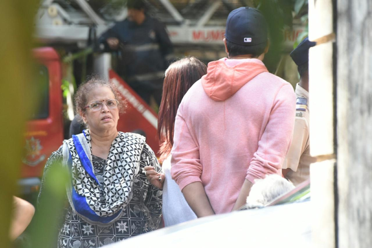 Abhishek, Aishwarya rush to Bandra apartment after news of fire