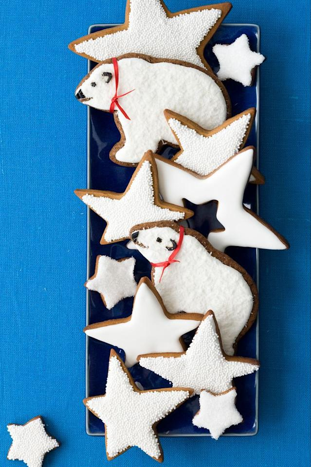 "<p>These spicy gingerbread polar bear cookies are so cute that you'll *almost* feel bad eating them.</p><p><strong><a rel=""nofollow"" href=""https://www.womansday.com/food-recipes/food-drinks/recipes/a10856/gingerbread-polar-bears-frosted-stars-122233/"">Get the recipe.</a></strong></p>"