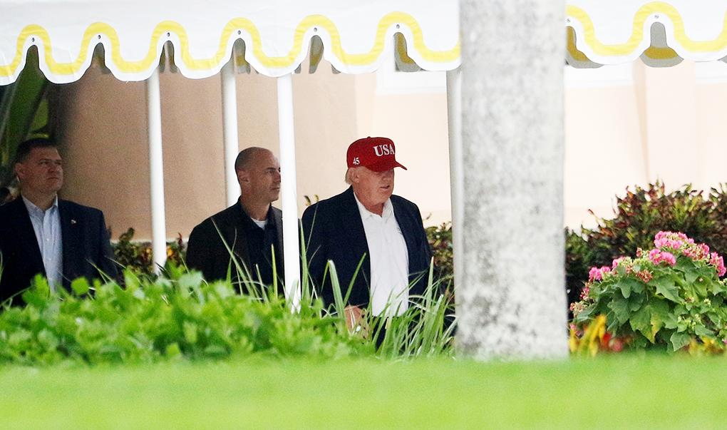 U.S. President-elect Donald Trump was spotted departing his estate in Palm Beach, Florida, on November 27, 2016, (REUTERS/Joe Skipper - RTSTKVJ)