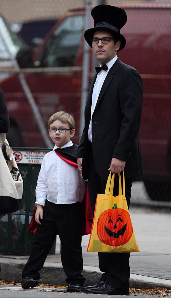"""Paul Rudd, the star of """"I Love You, Man"""" and """"Role Models,"""" is just as hilarious in real life, judging from the Halloween getup he wore while out with his son, Jack, in NYC. <a href=""""http://www.infdaily.com"""" target=""""new"""">INFDaily.com</a> - October 31, 2009"""