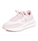 """<p><strong>Fila</strong></p><p>amazon.com</p><p><strong>$75.00</strong></p><p><a href=""""https://www.amazon.com/dp/B0964DPWQ1?tag=syn-yahoo-20&ascsubtag=%5Bartid%7C10065.g.36801569%5Bsrc%7Cyahoo-us"""" rel=""""nofollow noopener"""" target=""""_blank"""" data-ylk=""""slk:Shop Now"""" class=""""link rapid-noclick-resp"""">Shop Now</a></p><p>For anyone looking for a '90s nostalgia moment.</p>"""