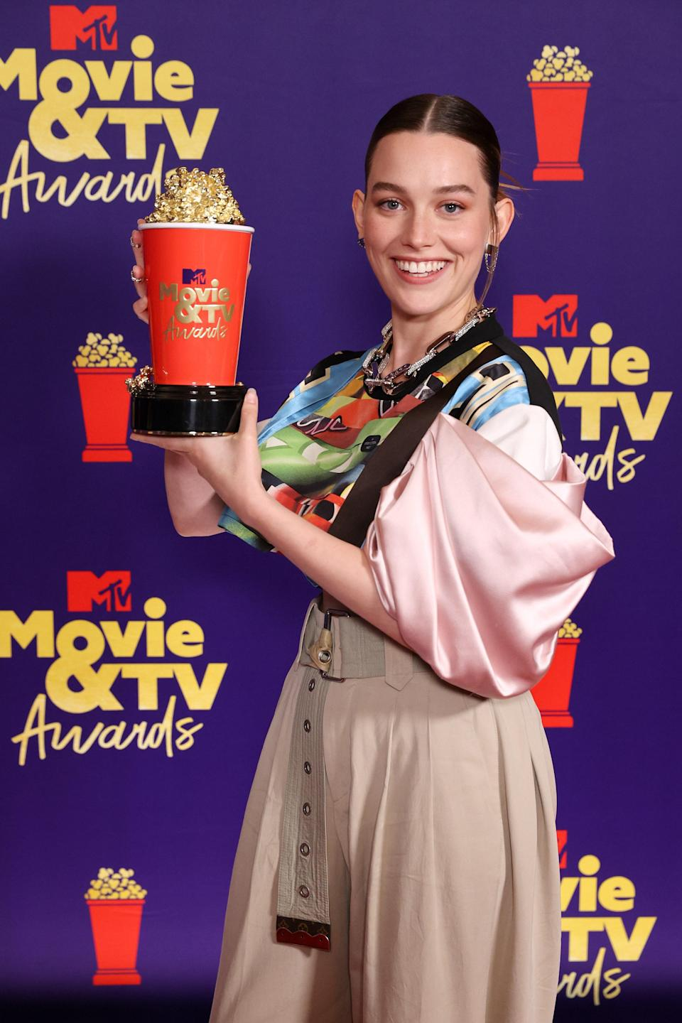 Star of Netflix horror <em>The Haunting</em> series, Victoria Pedretti made a statement in Louis Vuitton. Her stand-out piece was an asymmetric crop top featuring contrasting prints and satin textures. Paired with a chunky silver necklace and khaki oversized pants, everything about her look was <em>elevated</em> casual.
