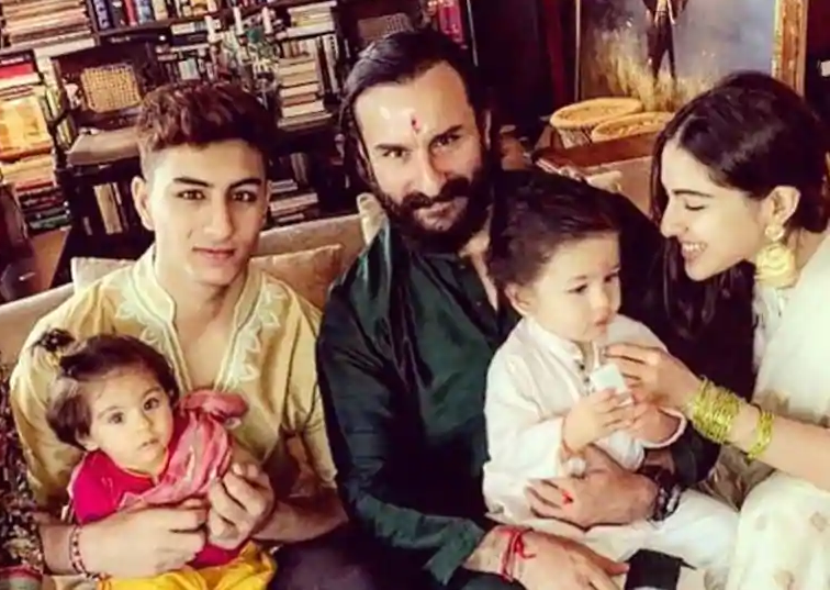 <p>The interwebs were flooded with Rakhi pictures on Rakshabandhan, but the one that took the cake was Sara Ali Khan tying the ceremonial thread on tiny Taimur's wrist. Ibrahim and Sara are only half siblings to Kareena and Saif's son, but the love they shower on the toddler is heartwarming.<br />Also, don't miss the doll sitting cozily on Ibrahim' lap. That's Soha's daughter who turned one last week. </p>