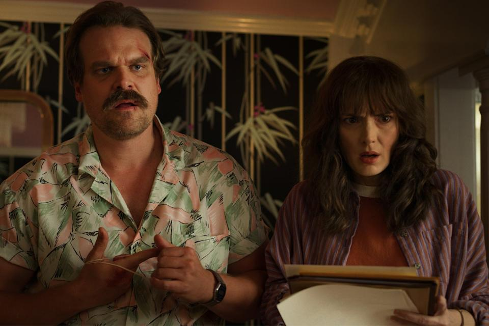 David Harbour and Winona Ryder in Stranger Things S3 (Netflix)