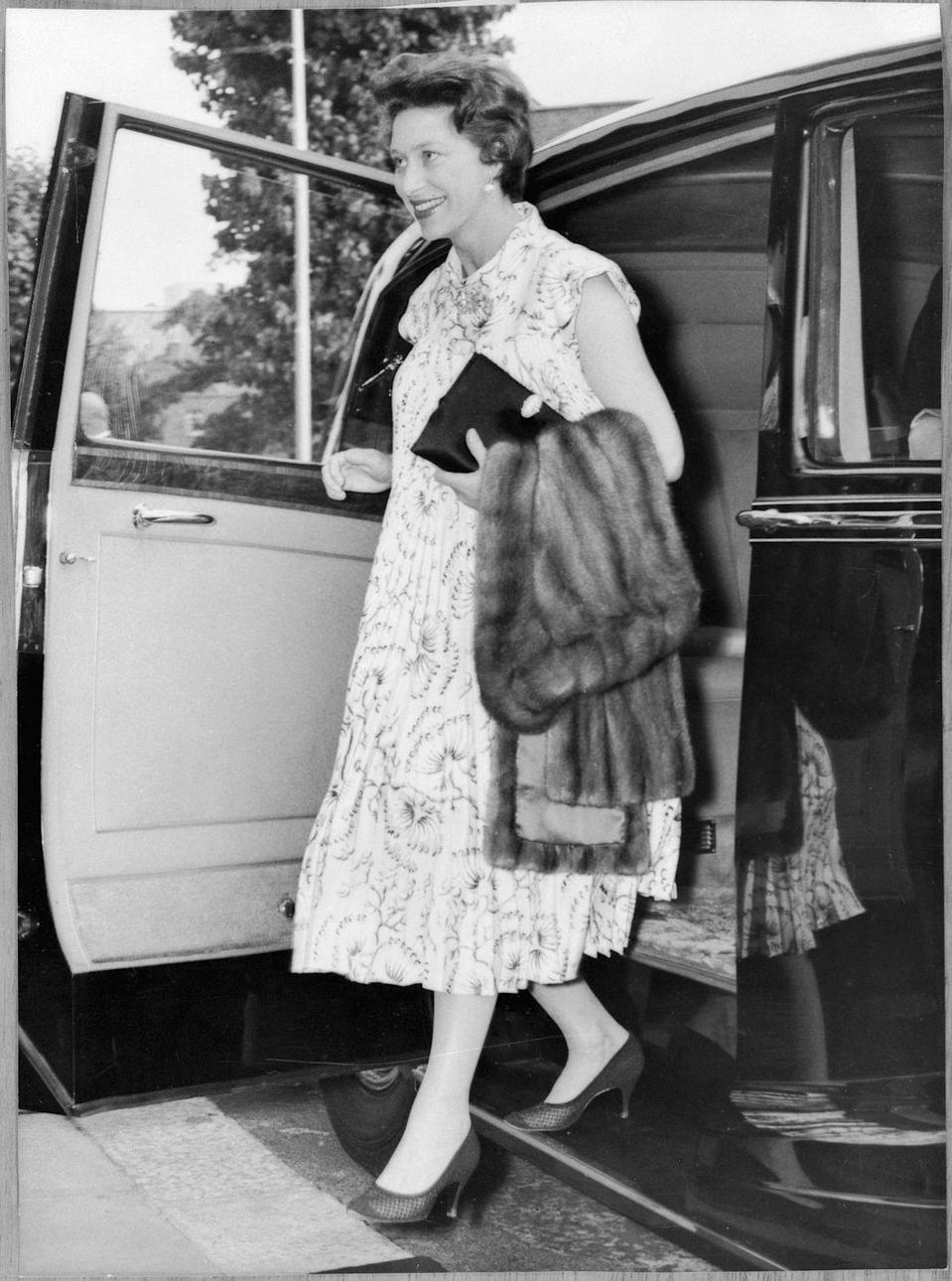 <p>While pregnant with her first child in 1961, Princess Margaret opted for a pleated A-line dress that comfortably accommodated her bump. </p>
