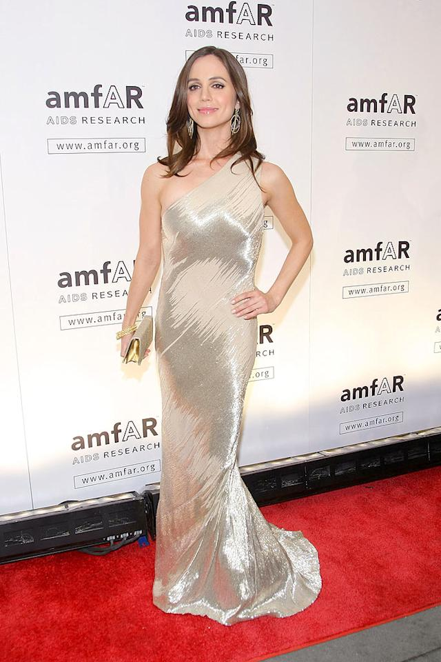 """""""Dollhouse"""" hottie Eliza Dushku donned a dazzling asymmetrical Franco Kaufman fall '08 gown for a trip down the red carpet at amfAR's annual event. Michael Loccisano/<a href=""""http://www.gettyimages.com/"""" target=""""new"""">GettyImages.com</a> - February 12, 2009"""