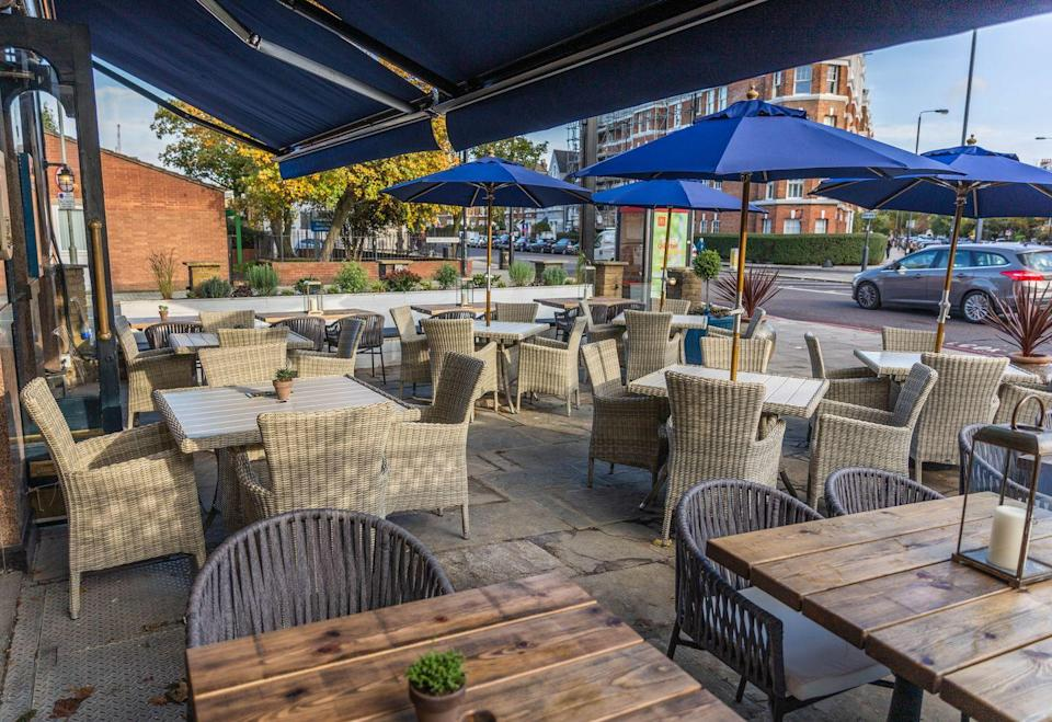 """<p>Moments away from Battersea Park, this pub is the ideal post-walk spot. Even better, if you have a dog, the <a href=""""https://www.thedukeofcambridge.com/"""" rel=""""nofollow noopener"""" target=""""_blank"""" data-ylk=""""slk:Duke of Cambridg"""" class=""""link rapid-noclick-resp"""">Duke of Cambridg</a>e has newly created a 'doggie roast' so your pup doesn't miss out while you enjoy your Sunday roast in the sun. </p>"""