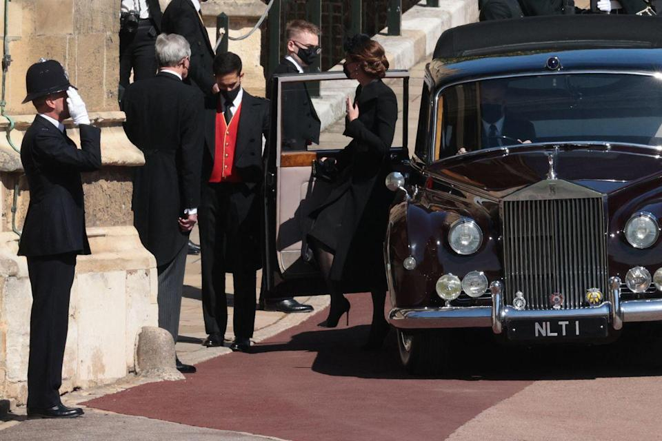 <p>The Duchess of Cambridge entered St George's Chapel for funereal services. </p>
