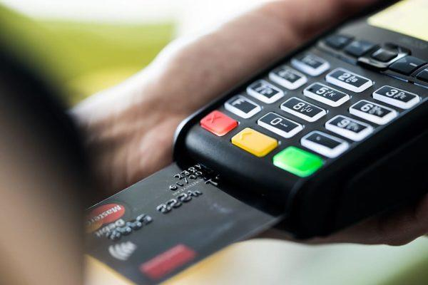 How Do Credit Cards with Rewards Work?