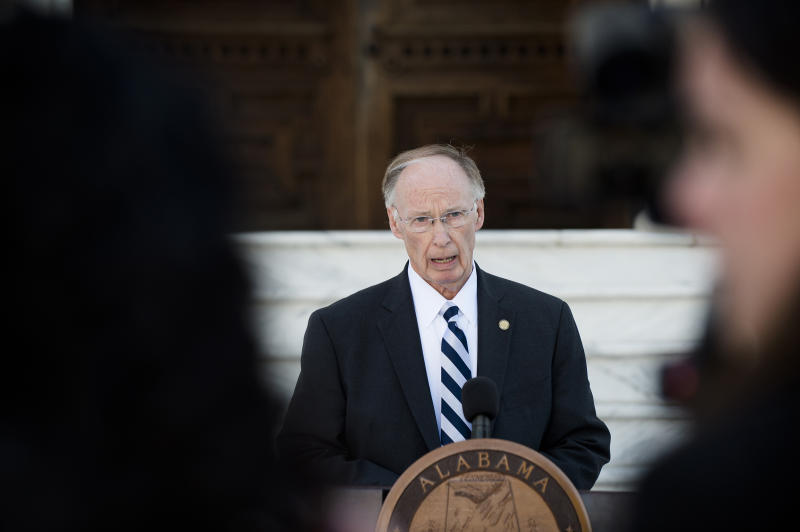 Alabama Governor Robert Bentley Resigns After Scandal Surrounding Alleged Affair