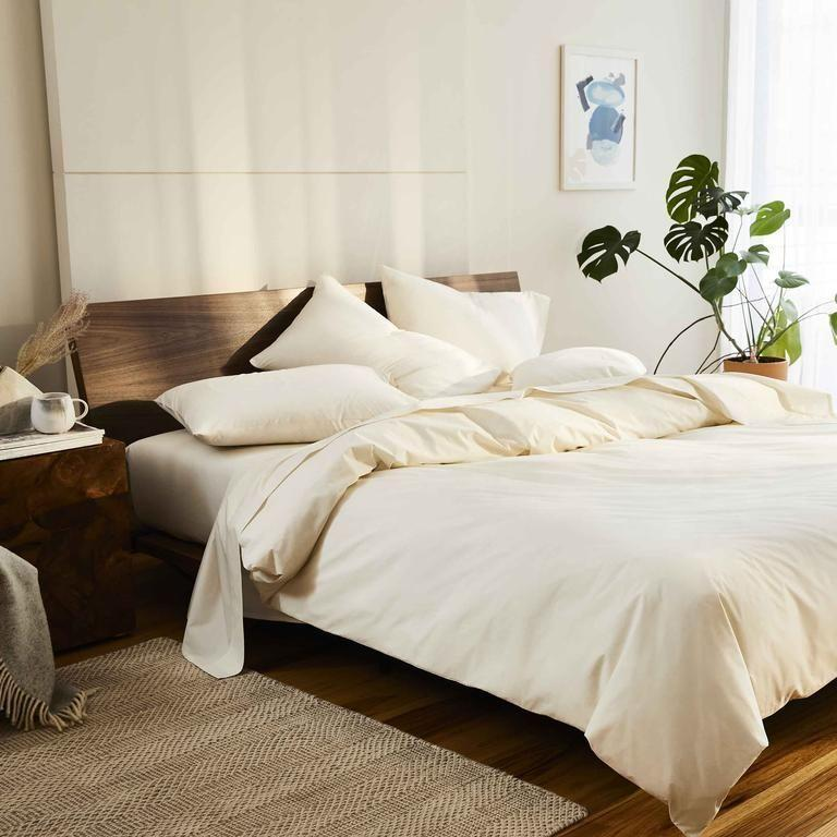 """<p><strong>Brooklinen</strong></p><p>brooklinen.com</p><p><strong>$175.00</strong></p><p><a href=""""https://go.redirectingat.com?id=74968X1596630&url=https%3A%2F%2Fwww.brooklinen.com%2Fproducts%2Fluxe-core-sheet-set&sref=https%3A%2F%2Fwww.elledecor.com%2Fshopping%2Fhome-accessories%2Fg37416286%2Fhome-decor-labor-day-sales-2021%2F"""" rel=""""nofollow noopener"""" target=""""_blank"""" data-ylk=""""slk:Shop Now"""" class=""""link rapid-noclick-resp"""">Shop Now</a></p><p><a href=""""https://go.redirectingat.com?id=74968X1596630&url=https%3A%2F%2Fwww.brooklinen.com%2F&sref=https%3A%2F%2Fwww.elledecor.com%2Fshopping%2Fhome-accessories%2Fg37416286%2Fhome-decor-labor-day-sales-2021%2F"""" rel=""""nofollow noopener"""" target=""""_blank"""" data-ylk=""""slk:Brooklinen"""" class=""""link rapid-noclick-resp"""">Brooklinen</a> is offering 15 percent off through September 6 on its high-quality bedding sets (excludes home accessories). </p>"""