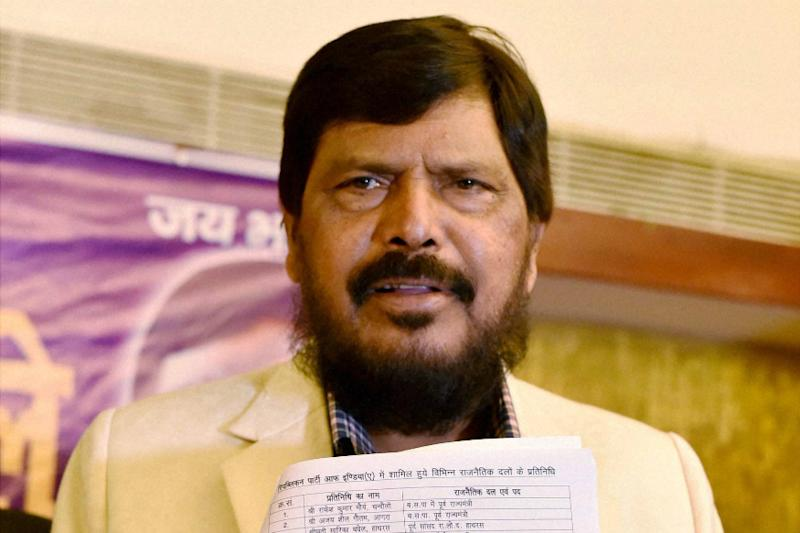 Ramdas Athawale Devises Formula for BJP-Sena Patch-up, Says Udhhav's Party Agreed to Think Over it