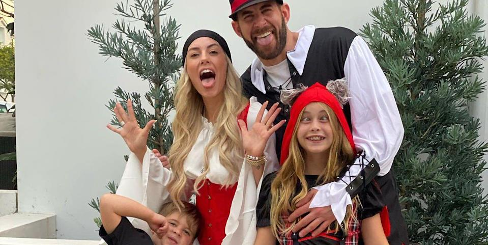 Tarek El Moussa and His Kids Dressed as Pirates With ...