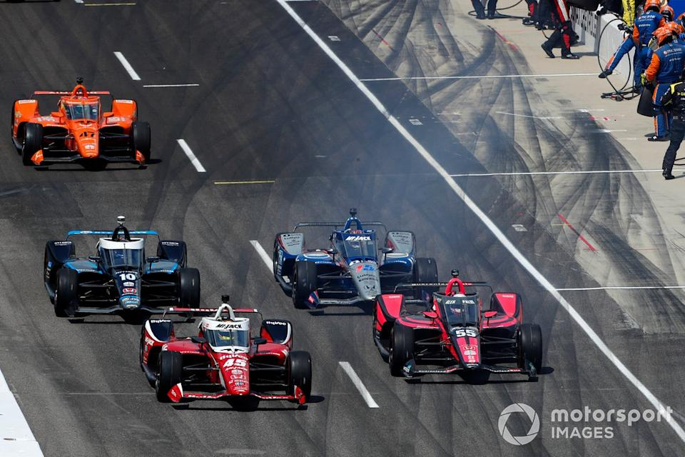"Spencer Pigot, Rahal Letterman Lanigan Racing w/ Citrone/Buhl Autosport Honda, Alex Palou, Dale Coyne Racing Team Goh Honda dejan los boxes<span class=""copyright"">Phillip Abbott / LAT Photo USA</span>"