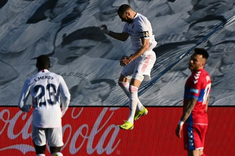 Karim Benzema (C) has scored 15 goals for Real Madrid in La Liga this term