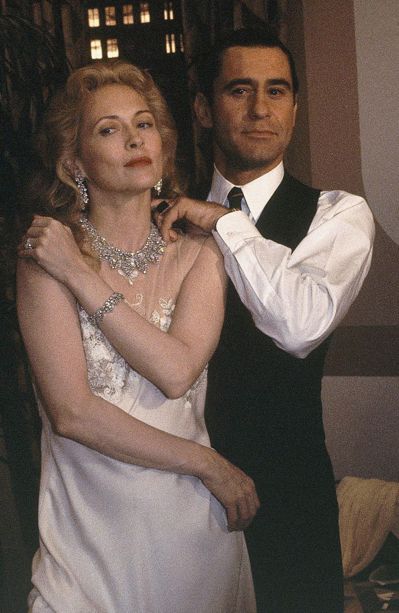 "FILE - This Nov. 11, 1980 file photo shows James Farentino and Faye Dunaway, who star in ""Evita Pero,"" in Los Angeles. A family spokesman says actor Farentino, who appeared in dozens of movies and television shows, has died in a Los Angeles hospital. He was 73. (AP Photo/Richard Drew, File)"