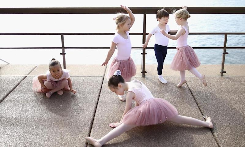 Tiny Ballerinas Create Outdoor 'Ballet Class', Sydney