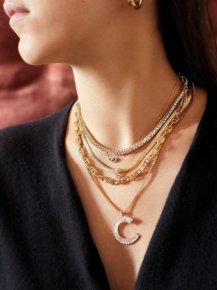 <p>Make them feel special with the <span>Baublebar Baguette Initial Necklace</span> ($48).</p>