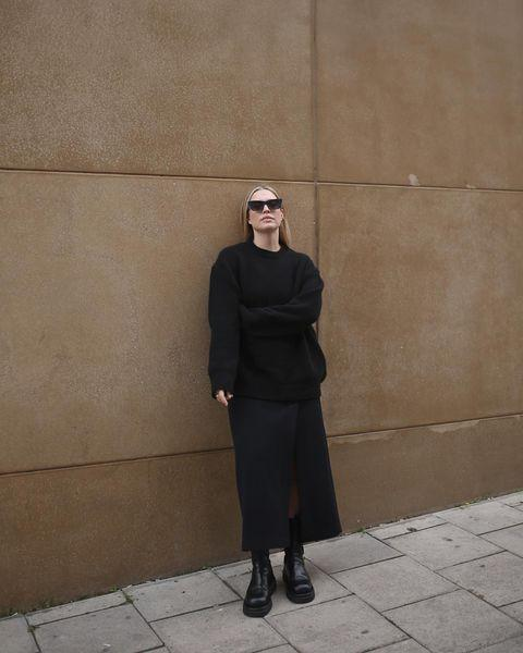 "<p>Foreman makes a statement in an all-black oversized jumper and longline skirt.</p><p><a class=""link rapid-noclick-resp"" href=""https://go.redirectingat.com?id=127X1599956&url=https%3A%2F%2Fwww.net-a-porter.com%2Fen-gb%2Fshop%2Fproduct%2Fmax-mara%2Fleisure-geode-mohair-blend-sweater%2F1253524&sref=https%3A%2F%2Fwww.elle.com%2Fuk%2Ffashion%2Fwhat-to-wear%2Fg34367820%2Fautumn-outfits%2F"" rel=""nofollow noopener"" target=""_blank"" data-ylk=""slk:SHOP OVERSIZED JUMPER NOW"">SHOP OVERSIZED JUMPER NOW</a> </p><p><a href=""https://www.instagram.com/p/CGArExFn-Lb/"" rel=""nofollow noopener"" target=""_blank"" data-ylk=""slk:See the original post on Instagram"" class=""link rapid-noclick-resp"">See the original post on Instagram</a></p>"