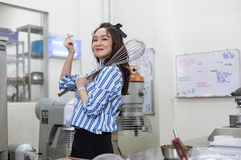 Fann Wong posing with a giant whisk (Photo: Fanntasy Bakes)
