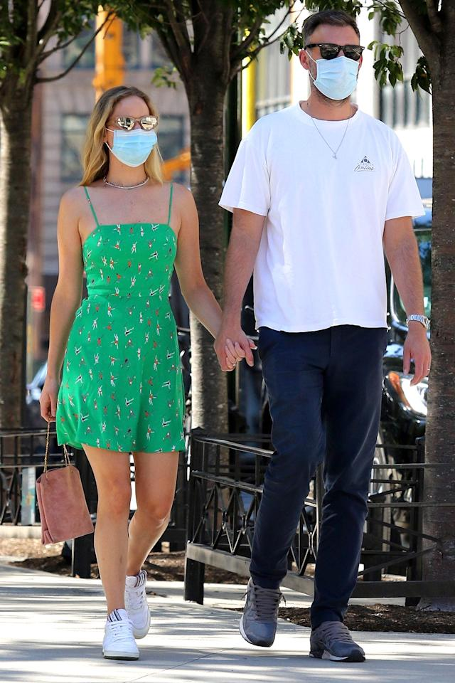 <p>Jennifer Lawrence and her husband Cooke Maroney stepped out to have lunch on Labor Day weekend in New York City.</p>