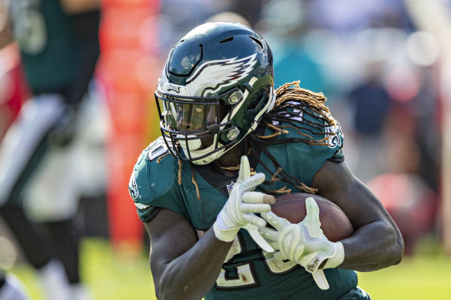 Philadelphia signed running back Jay Ajayi on Friday after Darren Sproles suffered a season-ending hip flexor injury. (Wesley Hitt/Getty Images)