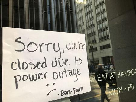 A sign on a restaurant informs customers that the facility is closed due to a power cut, in the financial district of San Francisco, California, U.S. April 21, 2017.  REUTERS/Alexandria Sage