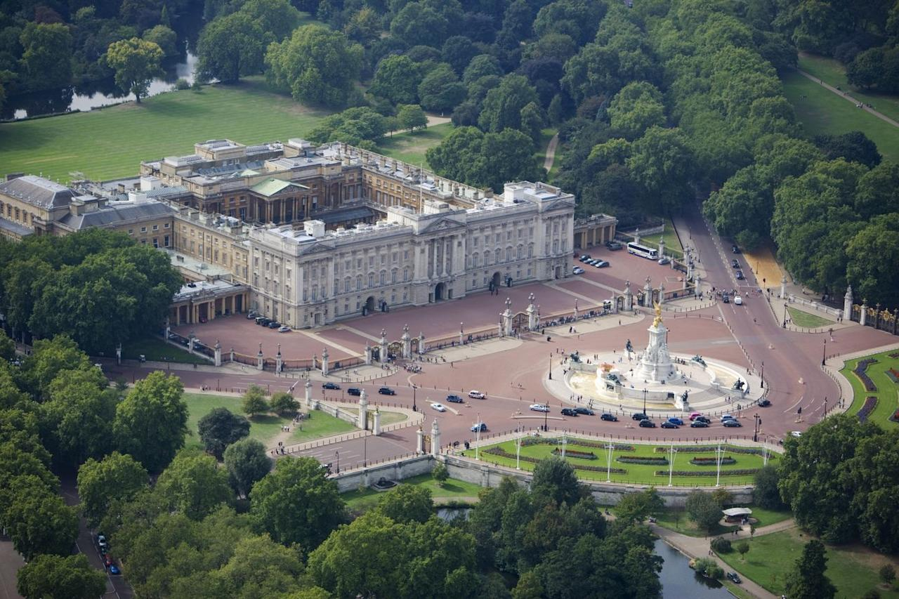 "<p><strong>Estimated value: $2.9 billion </strong></p><p>With 775 rooms, including 52 royal and guest bedrooms, 78 bathrooms, and 92 offices, the Queen's London home still holds the top ranking for the most expensive house in the world. Although the British royal family owns <a href=""https://www.veranda.com/luxury-lifestyle/g27044934/royal-family-homes/"" target=""_blank"">many castles and estates throughout the United Kingdom</a>, Buckingham Palace has been the monarchy's official residence since 1837. Queen Elizabeth II spends her annual summer holiday at <a href=""https://www.veranda.com/luxury-lifestyle/a22790413/balmoral-castle-scotland/"" target=""_blank"">Balmoral Castle</a> in Scotland's Highlands. </p><p></p>"