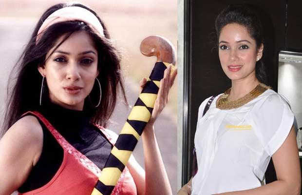 Vidya Malvade :  She played the role of Vidya Sharma, goalkeeper and captain of the Indian women's national hockey team, in this movie. Although she started her career with Vikram Bhatt's movie Inteha and then Footpath, but nothing worked out for her and before getting into movies she was an air hostess. So far she has done movies like Benaam, Kidnap, Tum Milo Toh Sahi, Aap Ke Liye Hum, No Problem, Striker, 1920: Evil Returns, Once Upon a Time in Mumbai Dobaara !, Yaara Silly Silly and she experimented with television too, Family No. 1, Fear Factor – Khatron Ke Khiladi, Darr Sabko Lagta Hai.